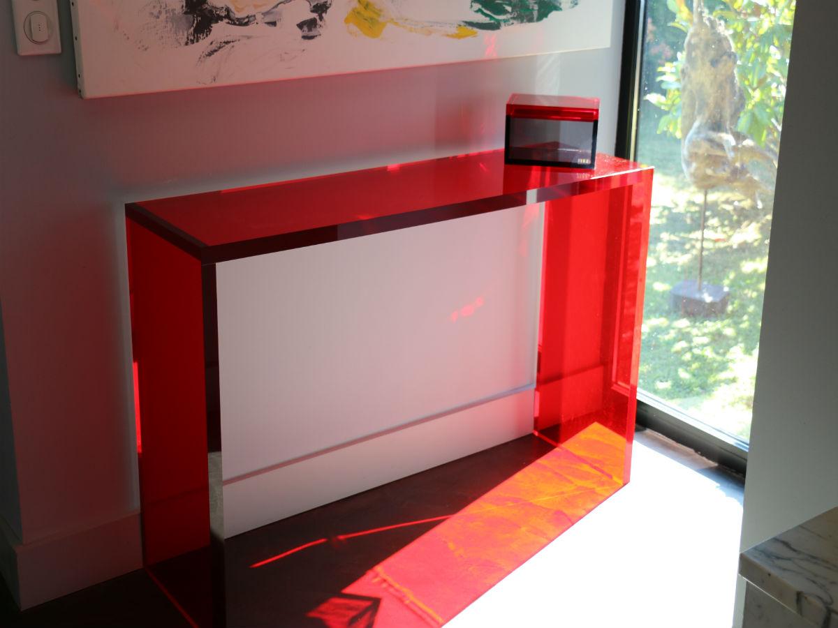 Console epure rouge en plexiglas pluxi fabricant plexiglas - Meuble console rouge ...