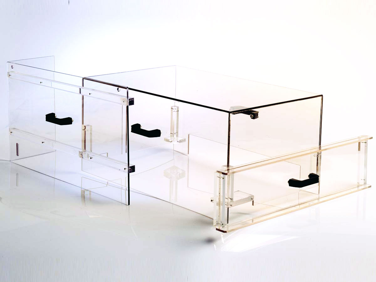 objets en plexiglas sur mesure pour le commerce et. Black Bedroom Furniture Sets. Home Design Ideas