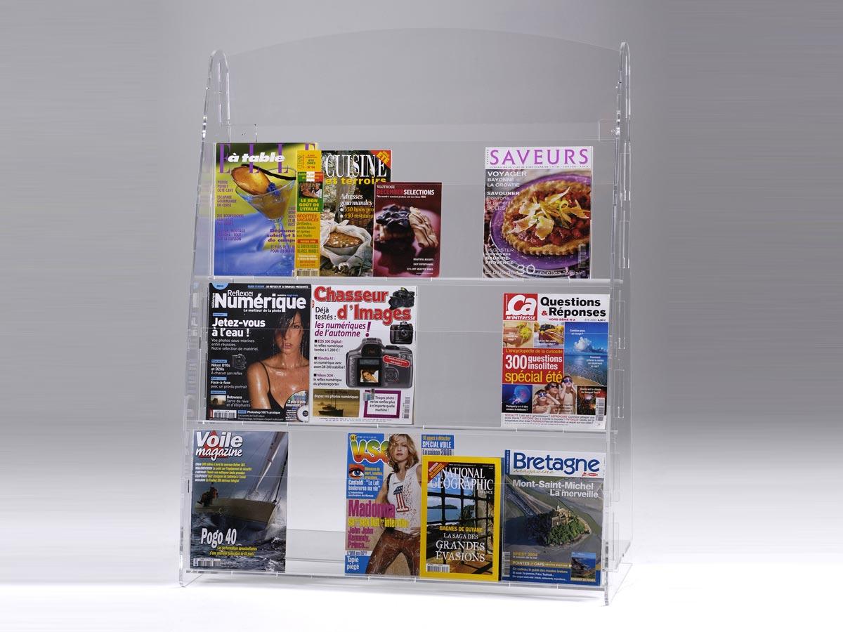 porte revues mural 940 en plexiglas pluxi fabricant. Black Bedroom Furniture Sets. Home Design Ideas