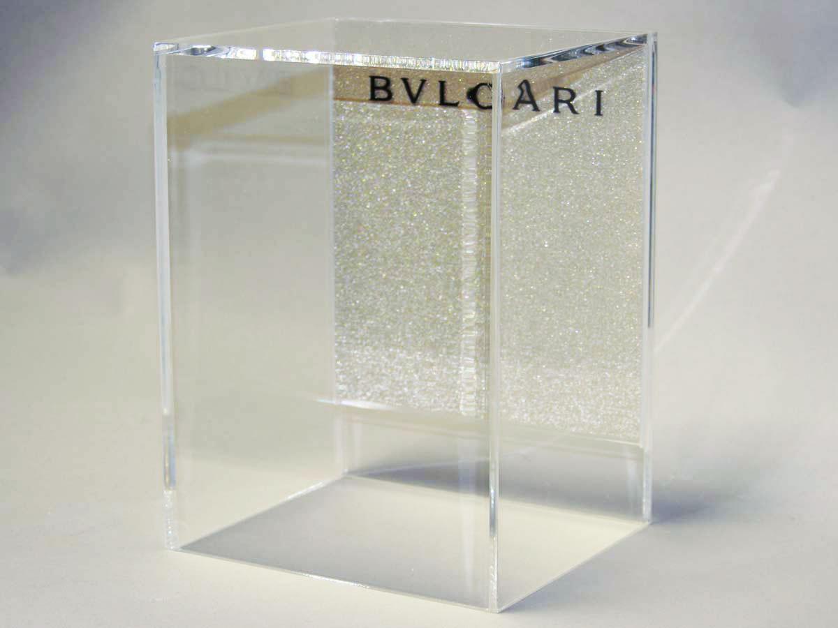 Plaques et pr sentoirs de luxe sur mesure en plexiglas pluxi - Plaque de plexiglas sur mesure ...