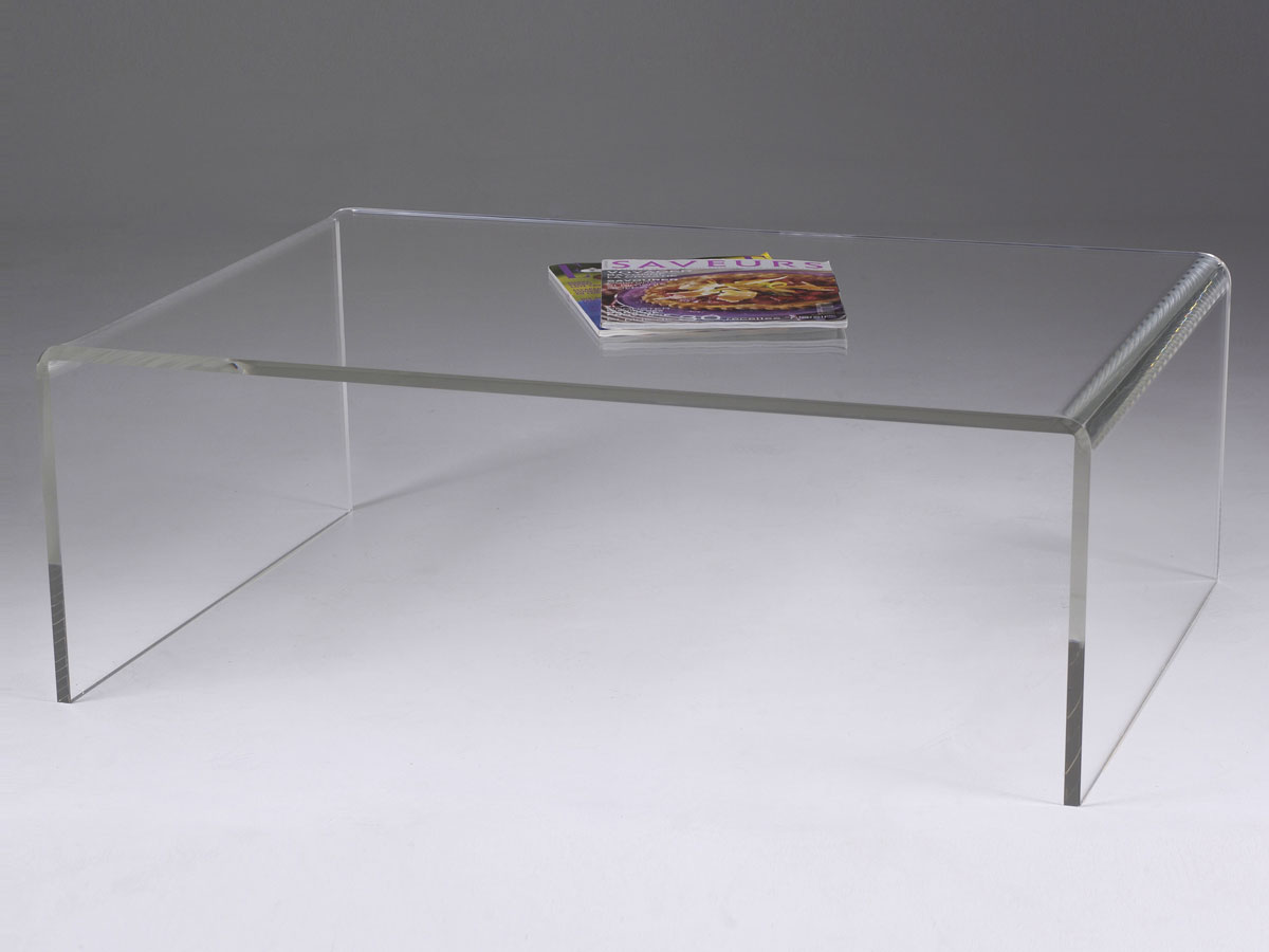 Table basse de salon en plexiglas pluxi fabricant plexiglas for Table de salon plexiglass