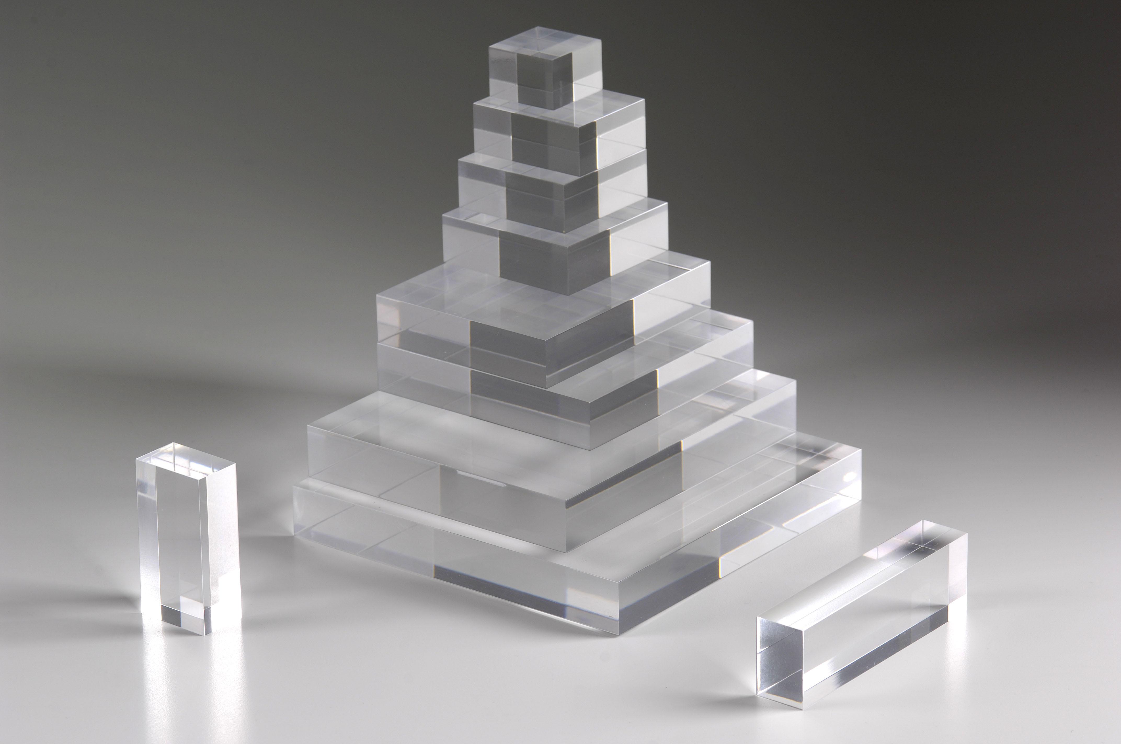 blocs en plexiglas et joncs en plexi pluxi objets en pmma. Black Bedroom Furniture Sets. Home Design Ideas