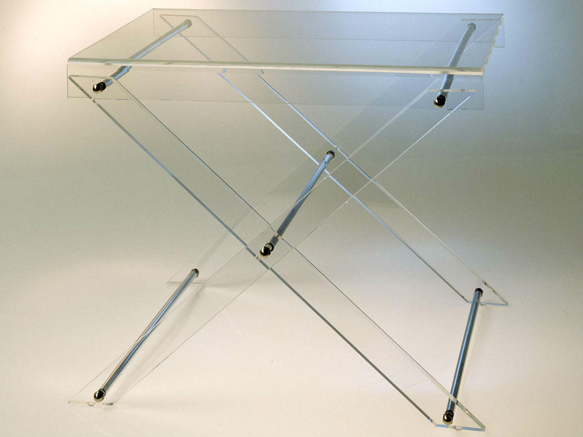 Table d'appoint 45 en plexiglas transparent