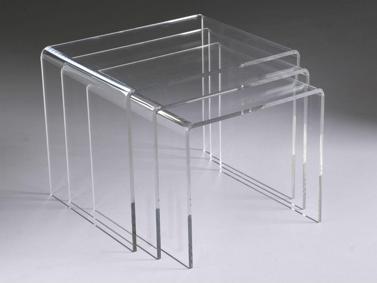 Tables gigognes : jeu de 3 tables basses en plexiglas transparent